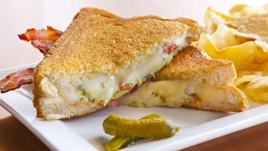 Menu_Bacon Gaucamole Grilled Cheese_2K