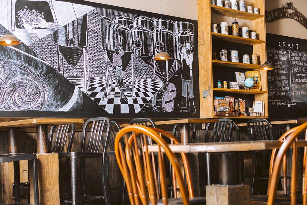 CGTG Gallery - Tasting Room Seating - 941-822-8131-web